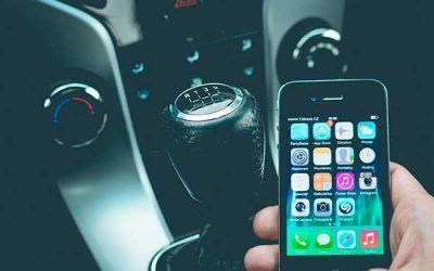 Enviar un WhatsApp al volante aumenta el número de accidentes hasta un 134,5%