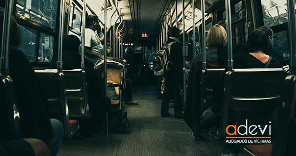 ¿Cómo actuar en caso de sufrir un accidente en autobús?